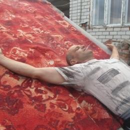 Я молодой и очень активный парень, ищу девушку в Калуге! Кто хочет горячей ночи?
